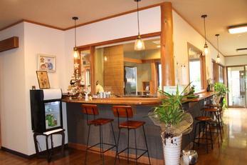 湯布院町で宿泊できる、猫カフェ「笑ねこの宿」お洒落な感じに完成しました。